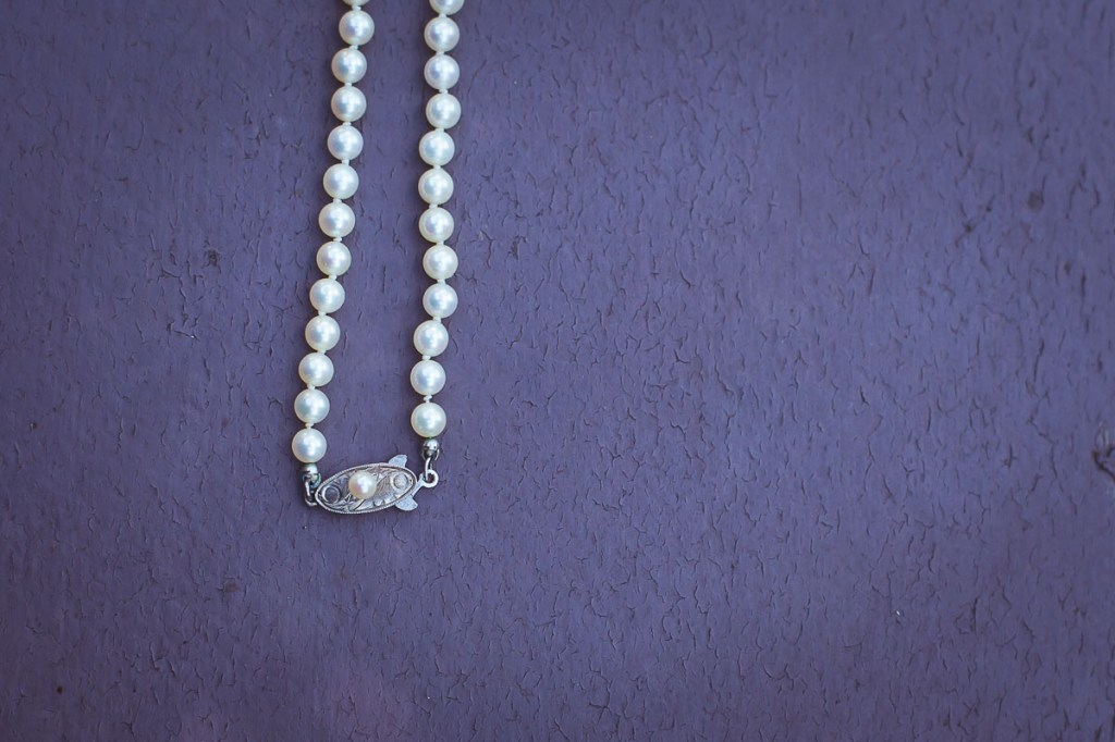 wedding-pearls-on-blue