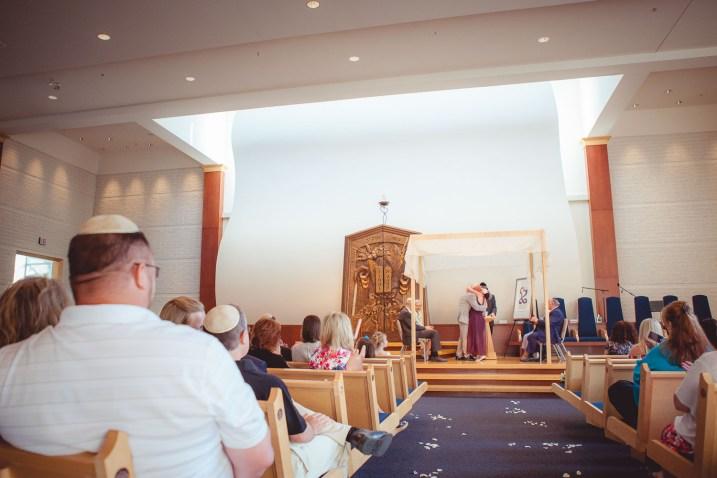 eve-and-john-wedding-at-temple-beth-shalom-petruzzo-photography-17