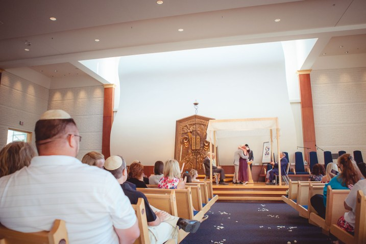 eve-and-john-wedding-at-temple-beth-shalom-petruzzo-photography-17