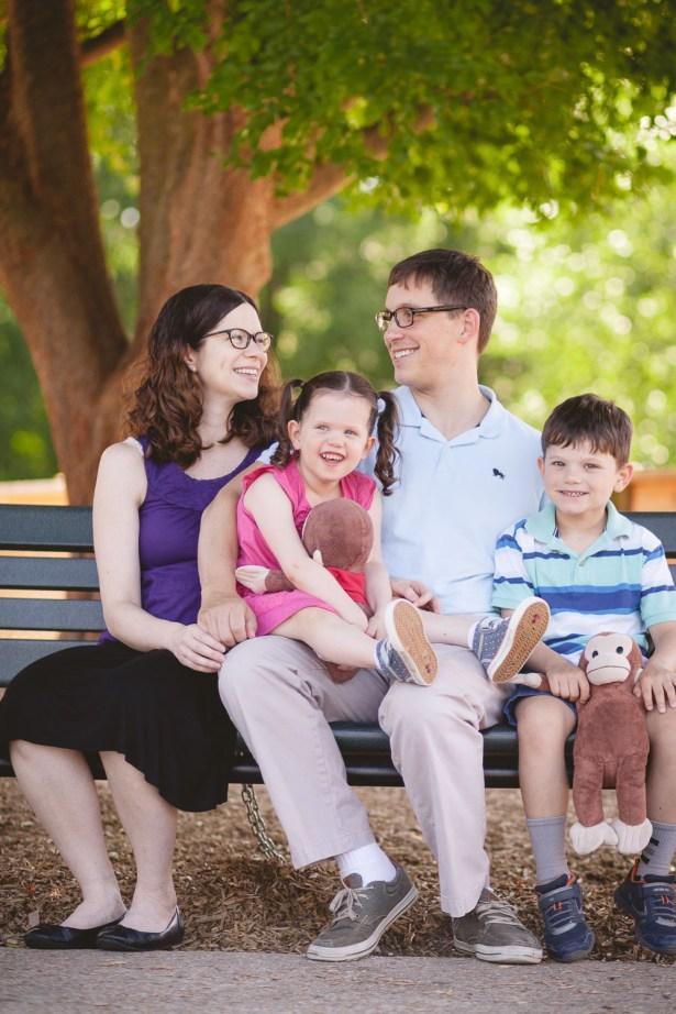 family-portraits-at-wheaton-regional-park-petruzzo-photography-01
