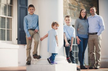 beautiful-family-revisits-the-glenview-mansion-petruzzo-photography-06