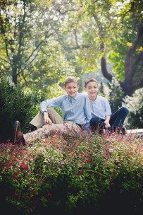 beautiful-family-revisits-the-glenview-mansion-petruzzo-photography-12