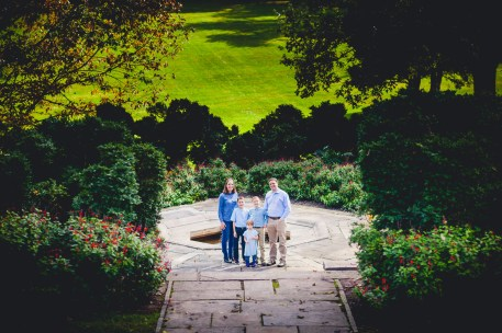 beautiful-family-revisits-the-glenview-mansion-petruzzo-photography-25