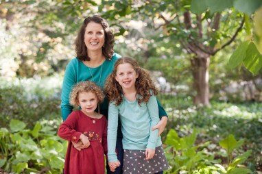 petruzzo-photography-family-in-the-forest-bethesda-12