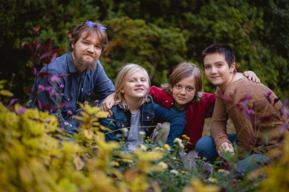 petruzzo-photography-big-family-in-bethesda-maryland-mccrillis-gardens-11
