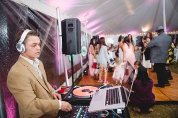 backyard-wedding-with-natures-help-08