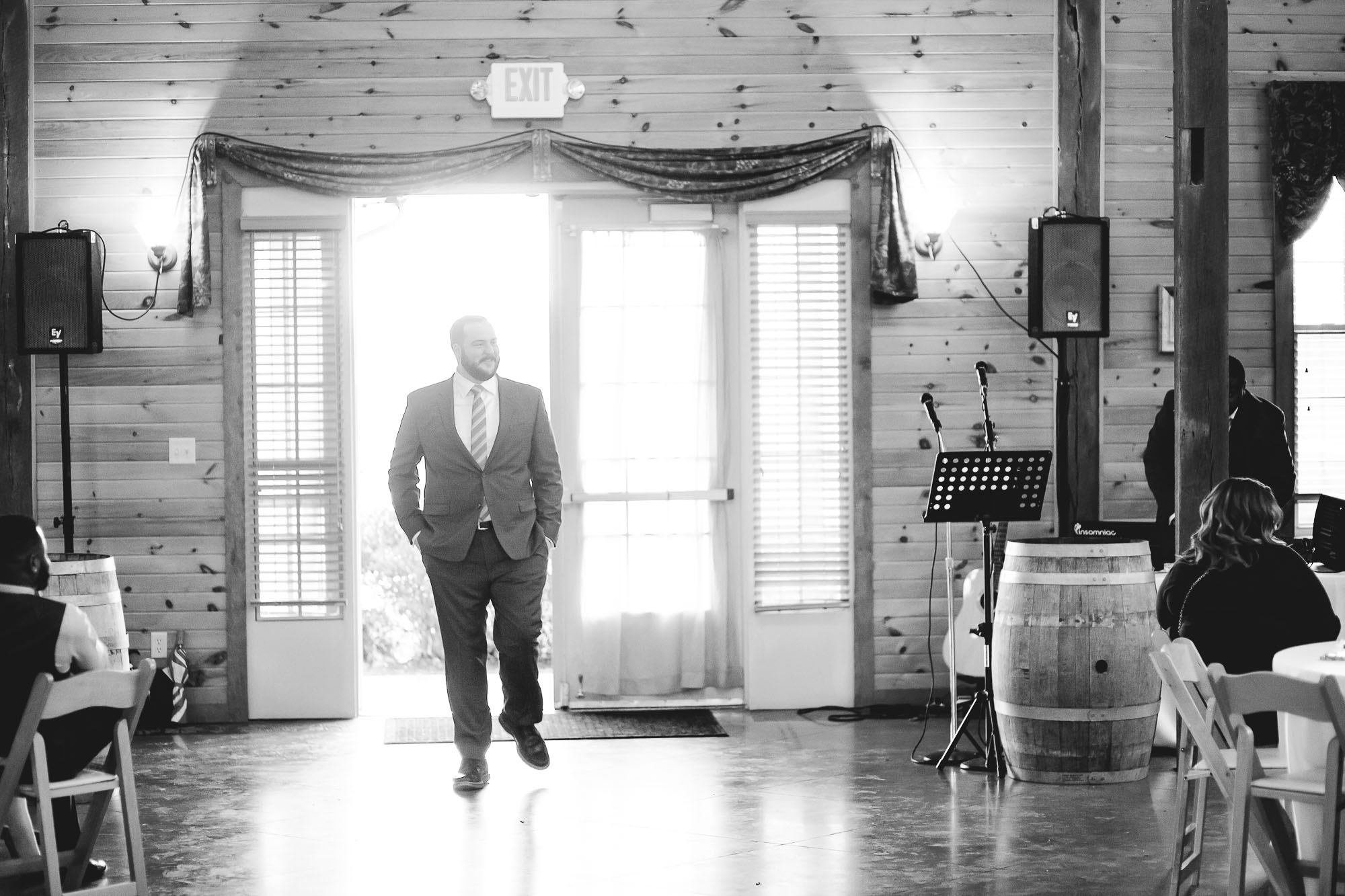 Bright Wedding On a Dreary Day at Linganor Wines 33