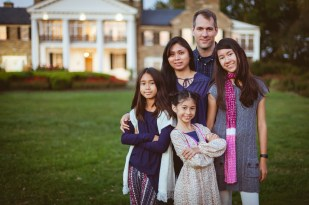 Family at the glenview mansion with felipe sanchez petruzzo photography 15