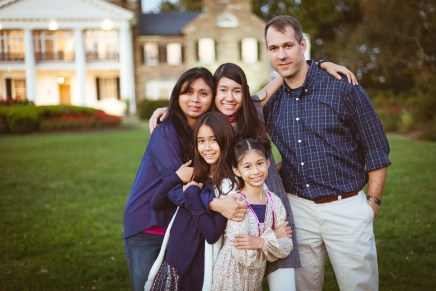 Family at the glenview mansion with felipe sanchez petruzzo photography 16