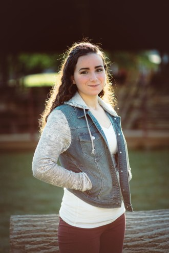 Senior Portraits at Kinder Farm Park with Greg Ferko 08