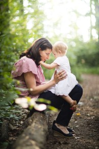 A Multi-Family Portrait Session at Irvine Nature Center in Owings Mills 16