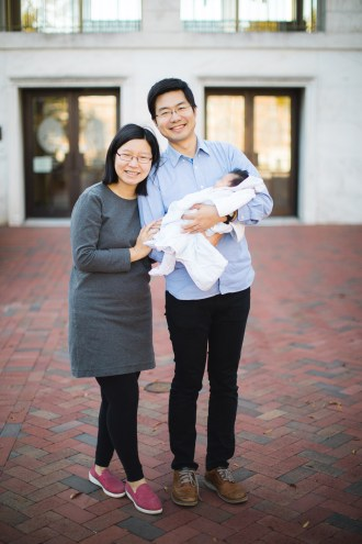 Meeting the Newborn on the Johns Hopkins Campus in Baltimore 02