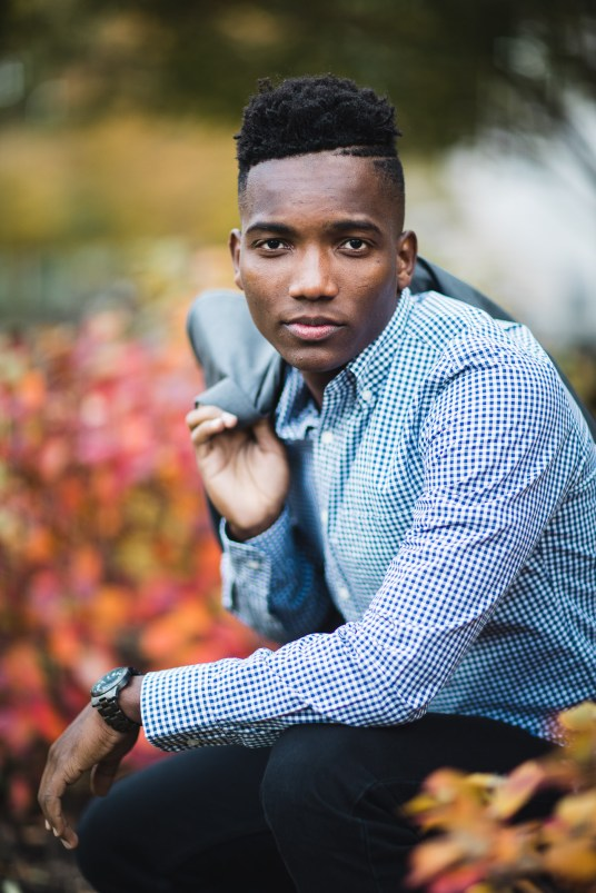 A Meandering Senior Portrait Session on the Streets of Downtown DC 11