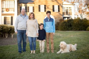 Felipe Returns to the Glenview Mansion for a Catch Up Session With This Beautiful Family 23