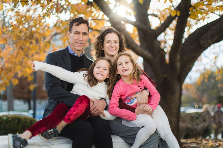 Wandering the Grounds Around the Supreme Court for This Family Portrait Session 07