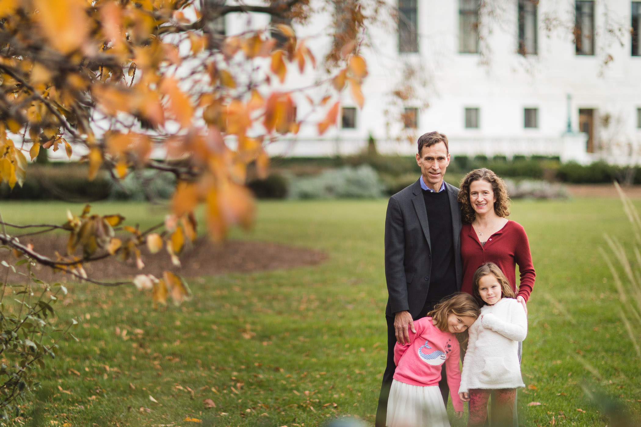 Wandering the Grounds Around the Supreme Court for This Family Portrait Session 15