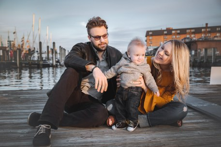 Sunset Family Portraits with Greg on the Streets of Downtown Annapolis 22