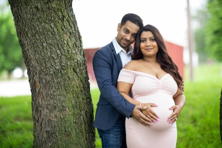 A Beautiful Maternity Session from Felipe at Kinder Farm Park 01