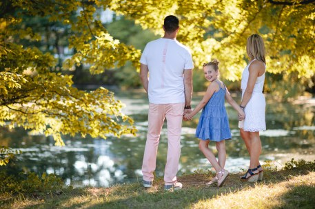 An Extended Family Portrait Session at the Garrison School 06