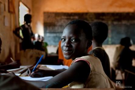 Petit manque de concentration à l'école primaire d'Ayou. // Ayou - 2010