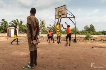 Cours d'éducation physique au CEG Sékou. // Sékou - 2014