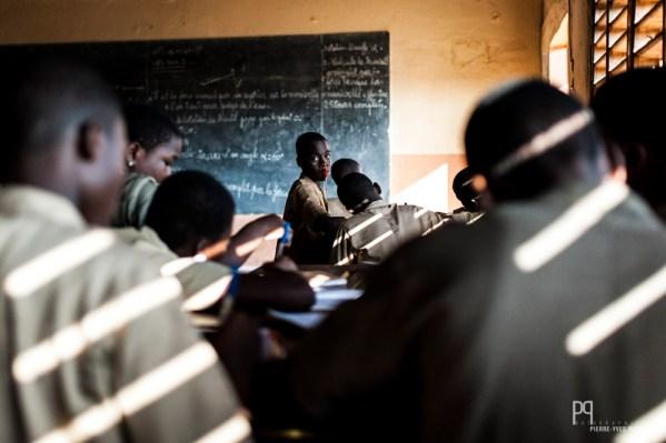 Dernier cours de la journé, du français, il est 18h. // Allada - 2013
