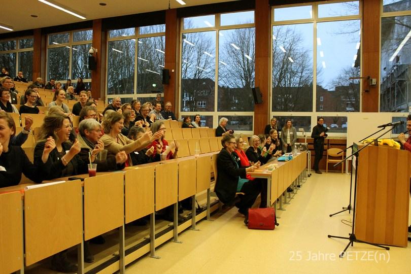 Volles Haus im Hörsaal vom Pädagogischen Institut