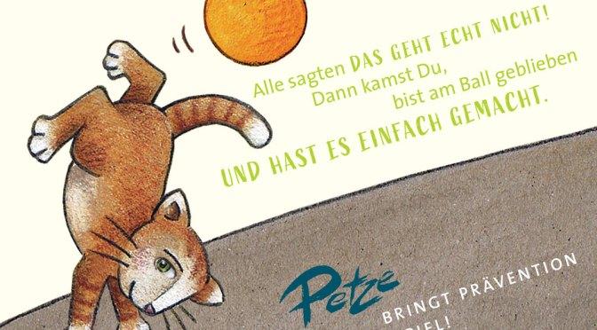 Neu im PETZE-Shop: Zwei Postkarten, Motiv mit Katze und mit Motiv Präventionshaus / Schutzkonzept