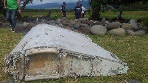 Image du flaperon échoué à la Réunion en aout 2015, premier d'une dizaine de débris appartenant au MH370