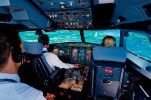 Le stage contre la peur de l'avion aura lieu tous les mois dans ce simulateur de vol