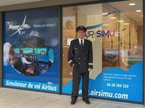Dominique Daviot, pilote de ligne qui encadrera les stages contre la peur de l'avion