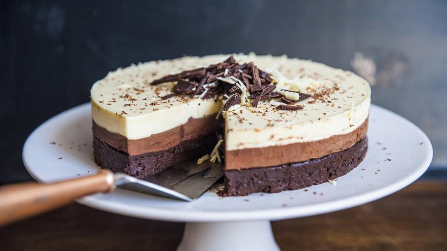 Three_chocolate_cake