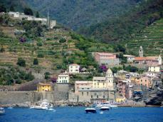 Das schöne, aber überfüllte, Vernazza in der Cinque Terre
