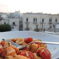 Orecchiette mit Tomaten, Sardellen und Knoblauch