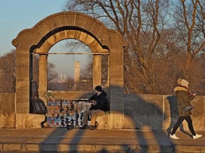 Gitarrenspieler auf der Wittelsbacherbrücke