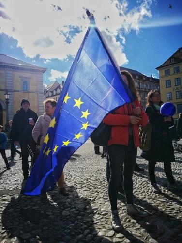 Deutlich sichtbares Bekenntnis zu Europa bei PulseofEurope in München.