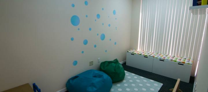 A picture of the quiet room from the door - Play for Real Pediatric Occupational Therapy