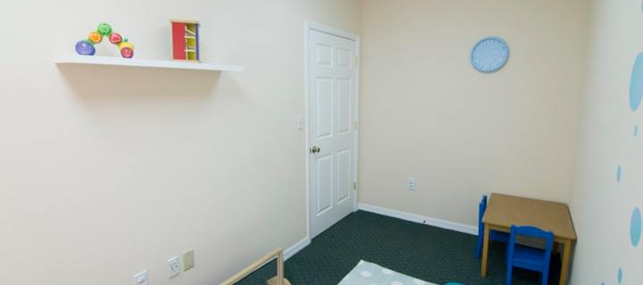 A picture of the quiet room looking toward the door - Play for Real Pediatric Occupational Therapy
