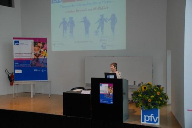 Begrüßung durch das pfv-Vorstandsmitglied Gabriele Ivo