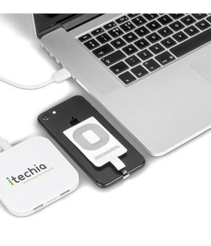 Quantum Qi Wireless Charger & USB Hub - White