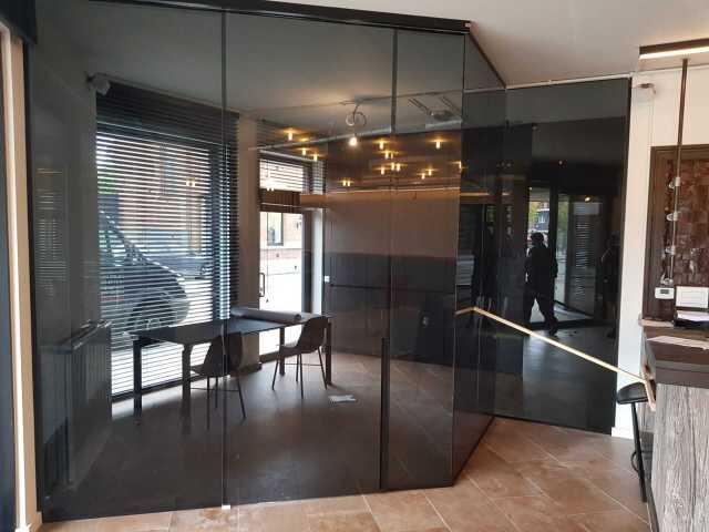 Pglas - Glazen wand schuifdeur grijsglas 002