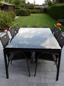Pglas - Tafel met zwart gelakt glas op zwarte poten 002