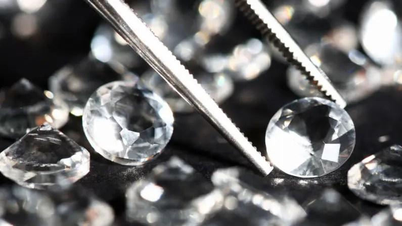 Guide for Selling Your Diamonds and Diamond Jewelry