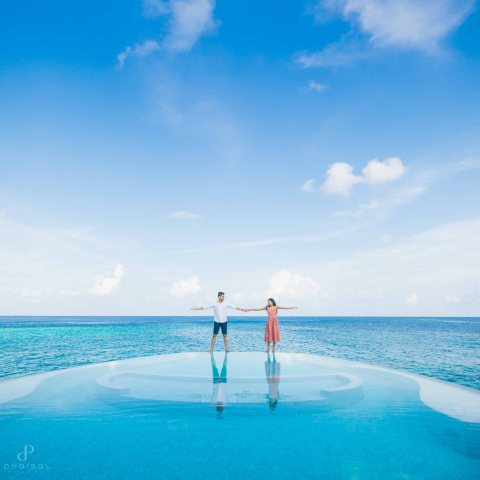 Honeymoon photographer in maldives