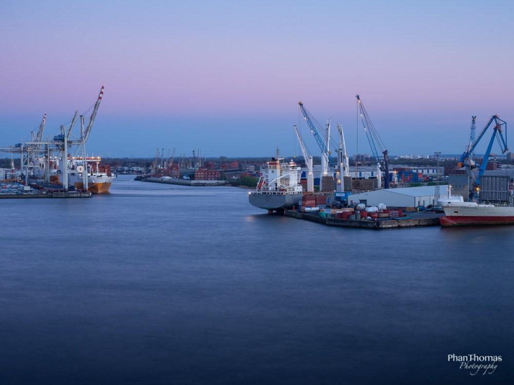Langzeitbelichtung im Hamburger Hafen