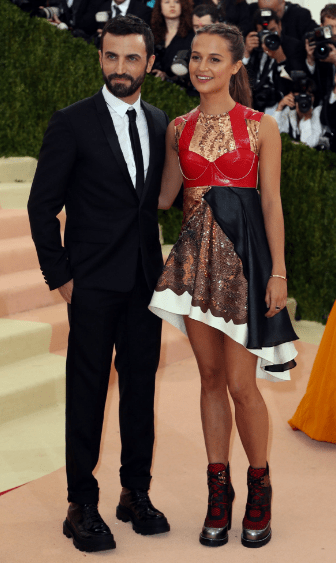 """Alicia Vikander rushed to the Gala after her shift at """"Ruby's Diner""""...2075"""