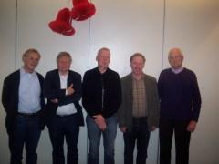 Jan van Beek als teamlid van Philidor 6, staand uiterst rechts.