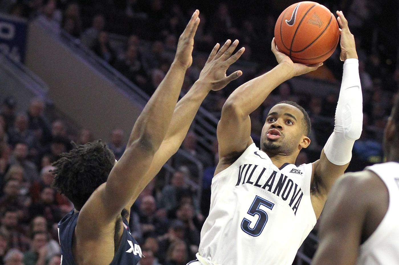 Villanova uses three-point shooting to defeat Xavier, 85-75