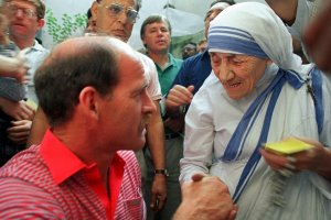 Clive Rice meets Mother Teresa in Calcutta