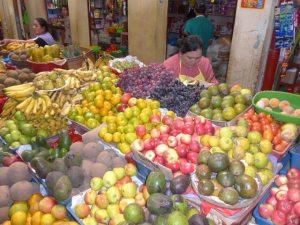 Fruits au marché paysan, Chachapoyas